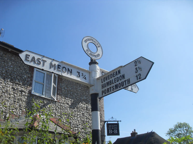 Clanfield Parish fingerpost